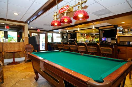 best-western-plus-oceanside-inn-bar-pooltable