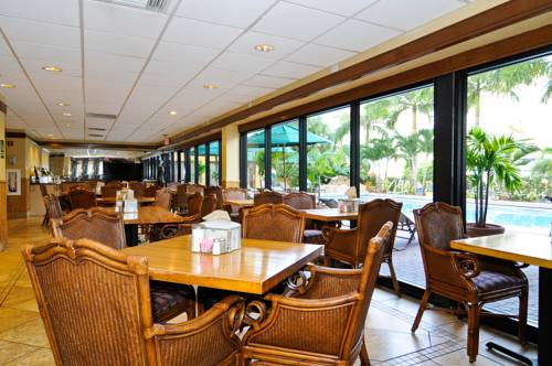best-western-plus-oceanside-inn-poolfront-dining