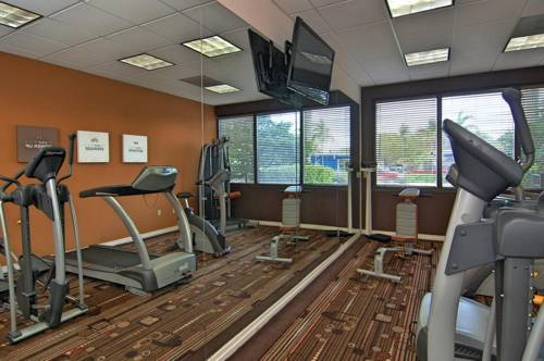 comfort-suites-fort-lauderdale-airport-cruise-port-hotel-gym