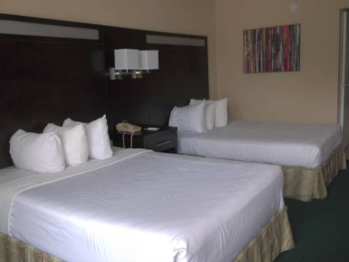 days-inn-fort-lauderdale-airport-north-cruise-port-bed-room-2