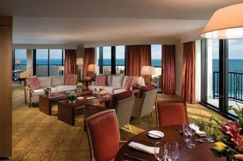 fort-lauderdale-marriott-harbor-beach-resort-spa-oceanfront-dining1