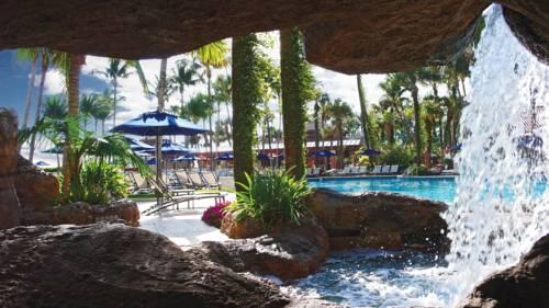 fort-lauderdale-marriott-harbor-beach-resort-spa-pool-21