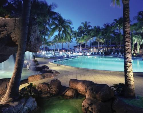 fort-lauderdale-marriott-harbor-beach-resort-spa-pool-31