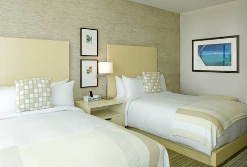 hilton-fort-lauderdale-marina-bed-room