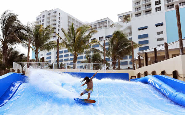 hollywood-beach-margaritaville-beachfront-resort-florider-surfing