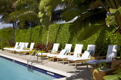 renaissance-fort-lauderdale-cruiseport-hotel-pool-deck