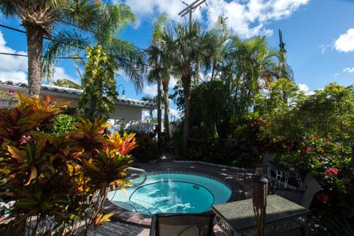 shore-haven-resort-inn-lauderdale-by-the-sea-whirlpool