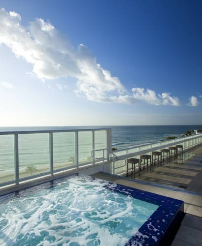 w-hotel-fort-lauderdale-pool